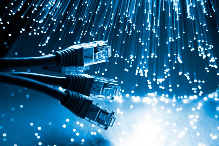 Ventajas de las Comunicaciones con Fibra Óptica