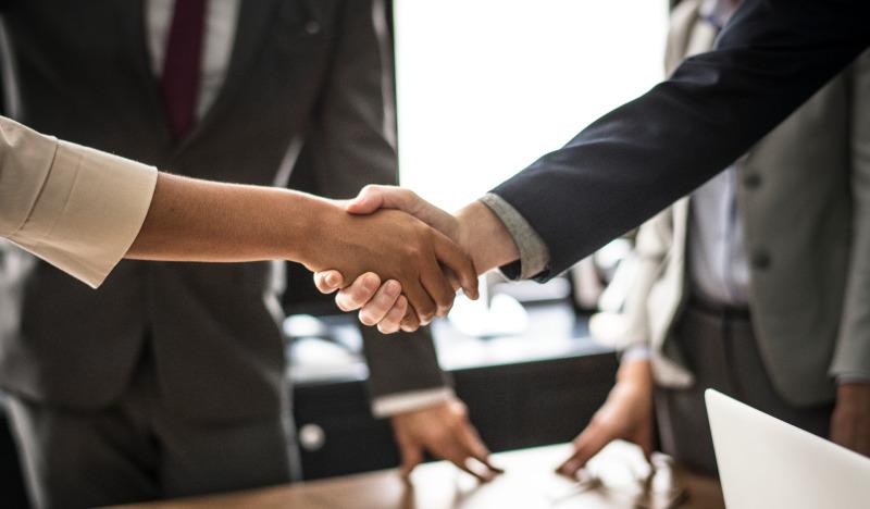 Cómo Interfono favorece la institucionalidad en la comunicación con los clientes